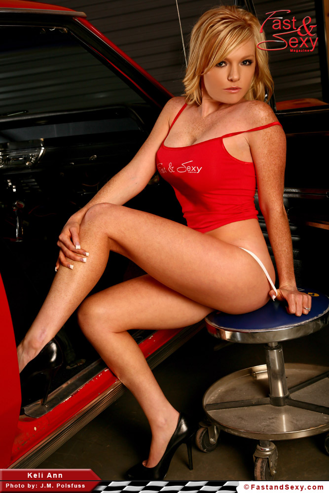 Blonde With Big Boobs And Hot rod – Fast & Sexy